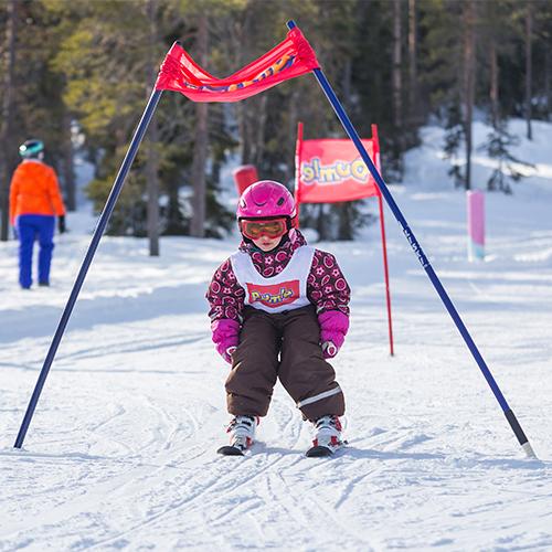 Syötteen Lumimaassa on hauskoja tapahtumia lapsille. Mustin ja Lystin pujottelu kilpailu järjestetään Lumimaassa helpossa rinteessä.